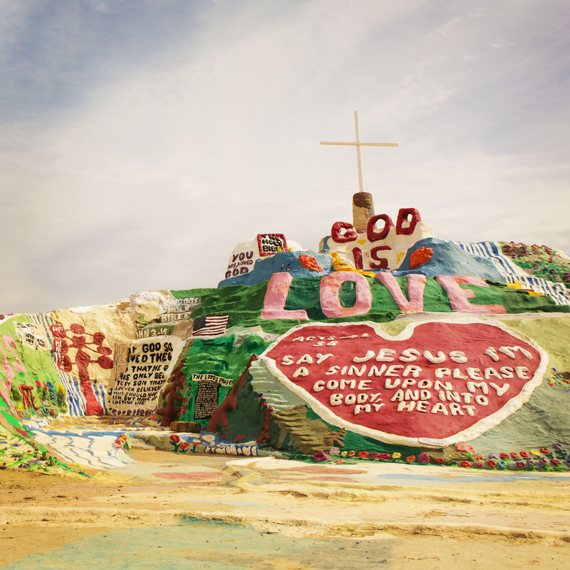 01_Desert_Kris_Davidson_National_Geographic_Salvation_Mountain