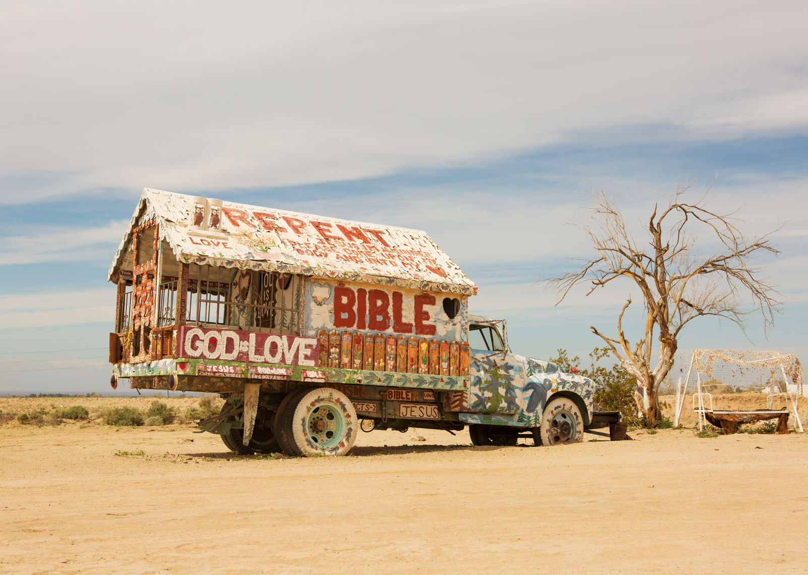 02_Desert_Kris_Davidson_National_Geographic_Salvation_Mountain