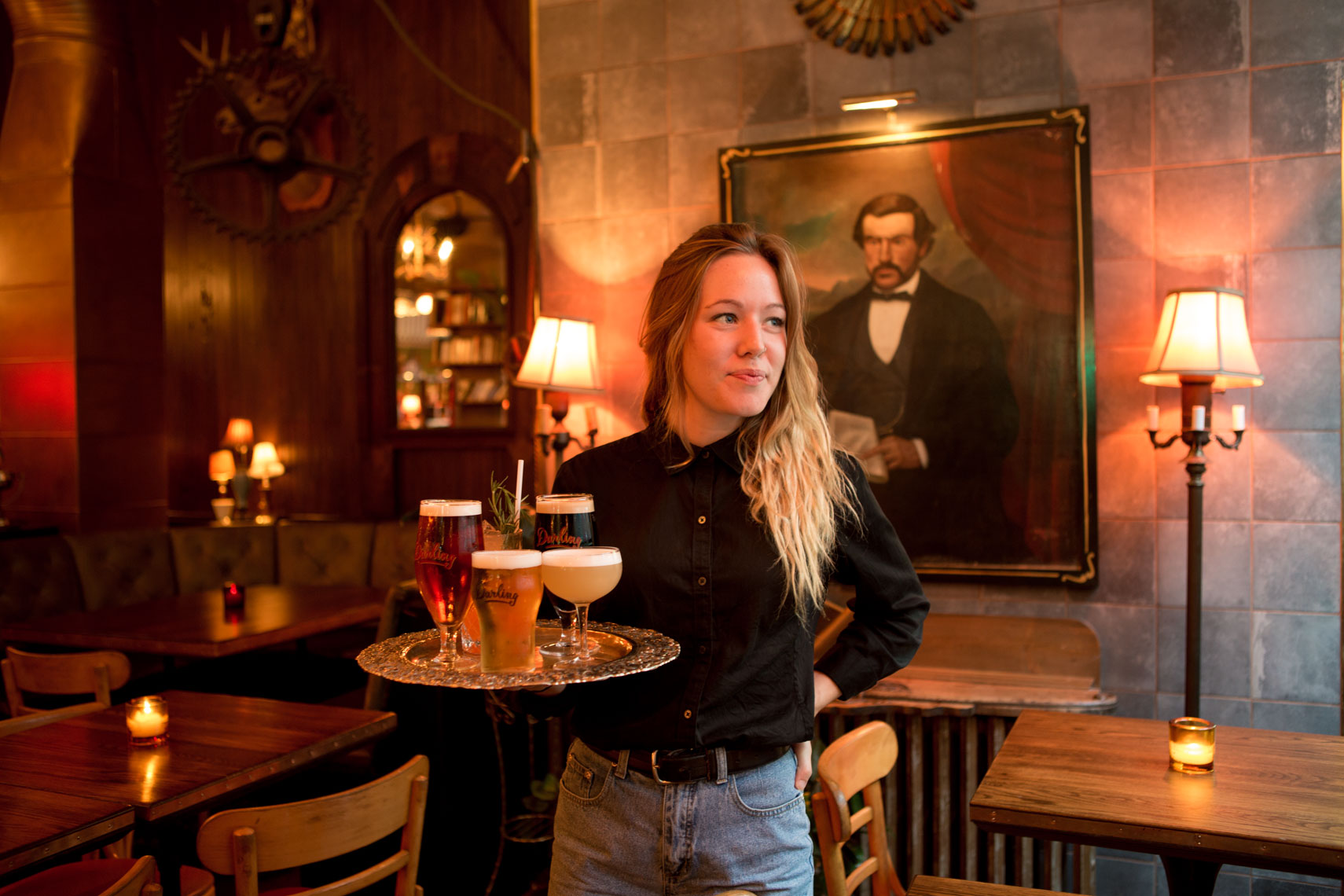 09_Montreal_Kris_Davidson_National_Geographic_Bar_Darling