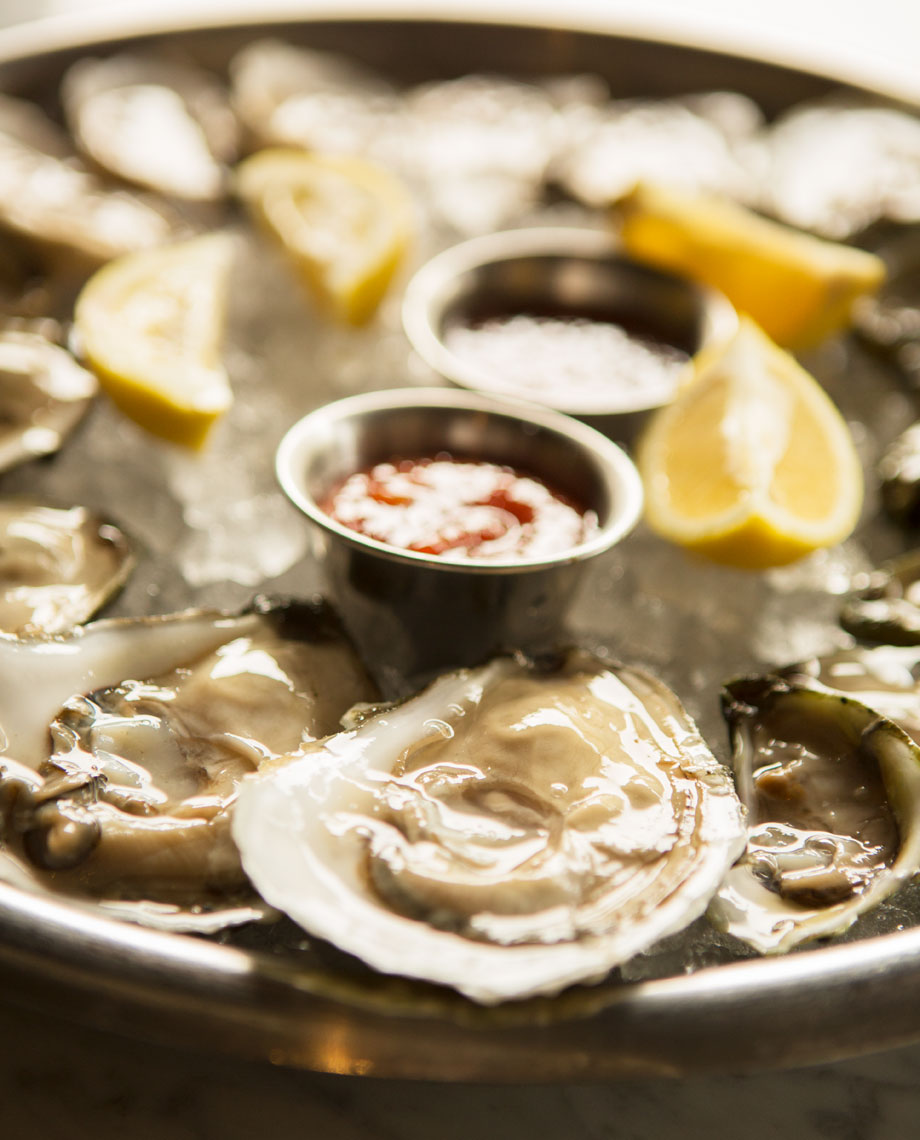 15_Food_Kris_Davidson_National_Geographic_Oysters_Mignonette_Miami