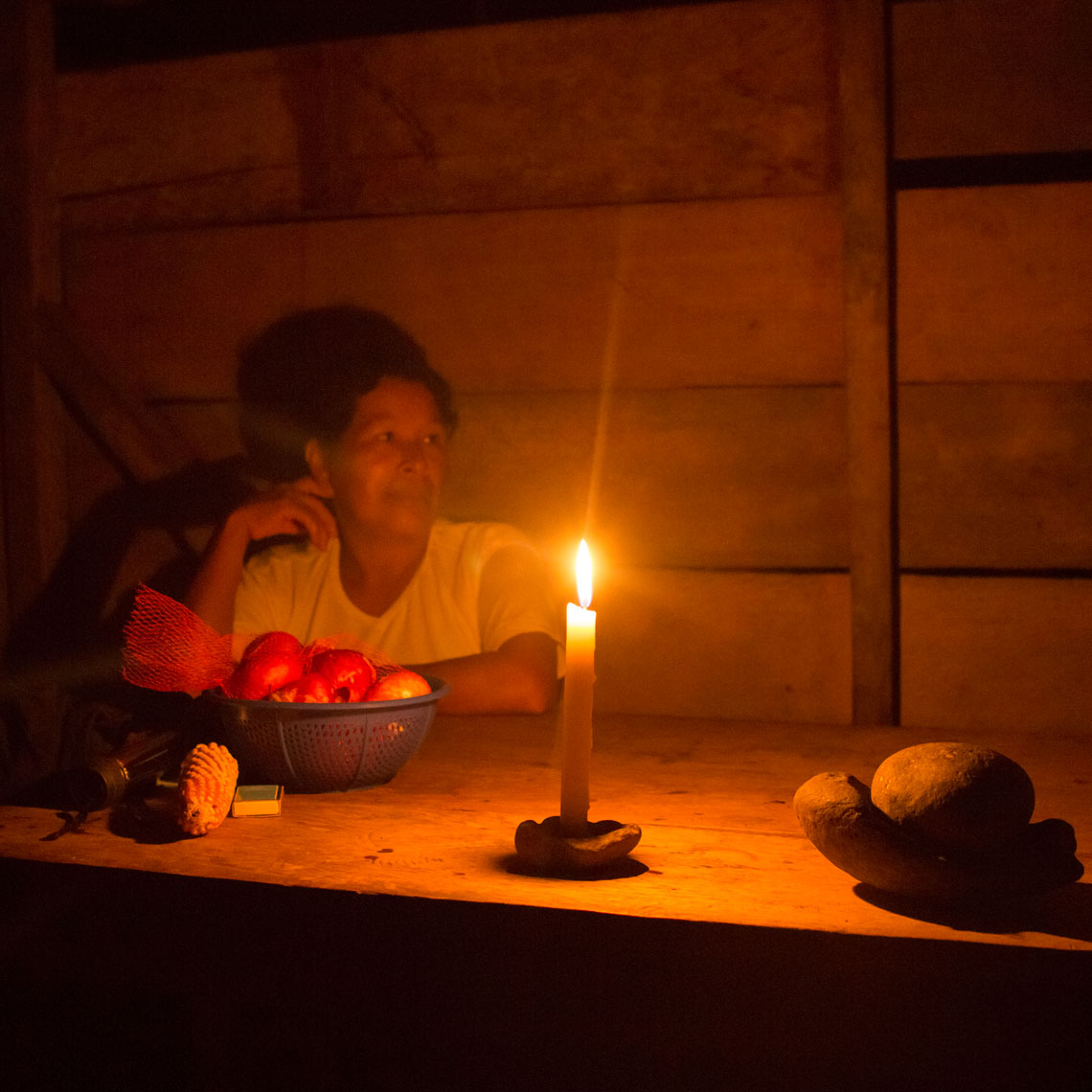 22_Kris_Davidson_National_Geographic_Candle_Ecuador_Amazon_Kichwa