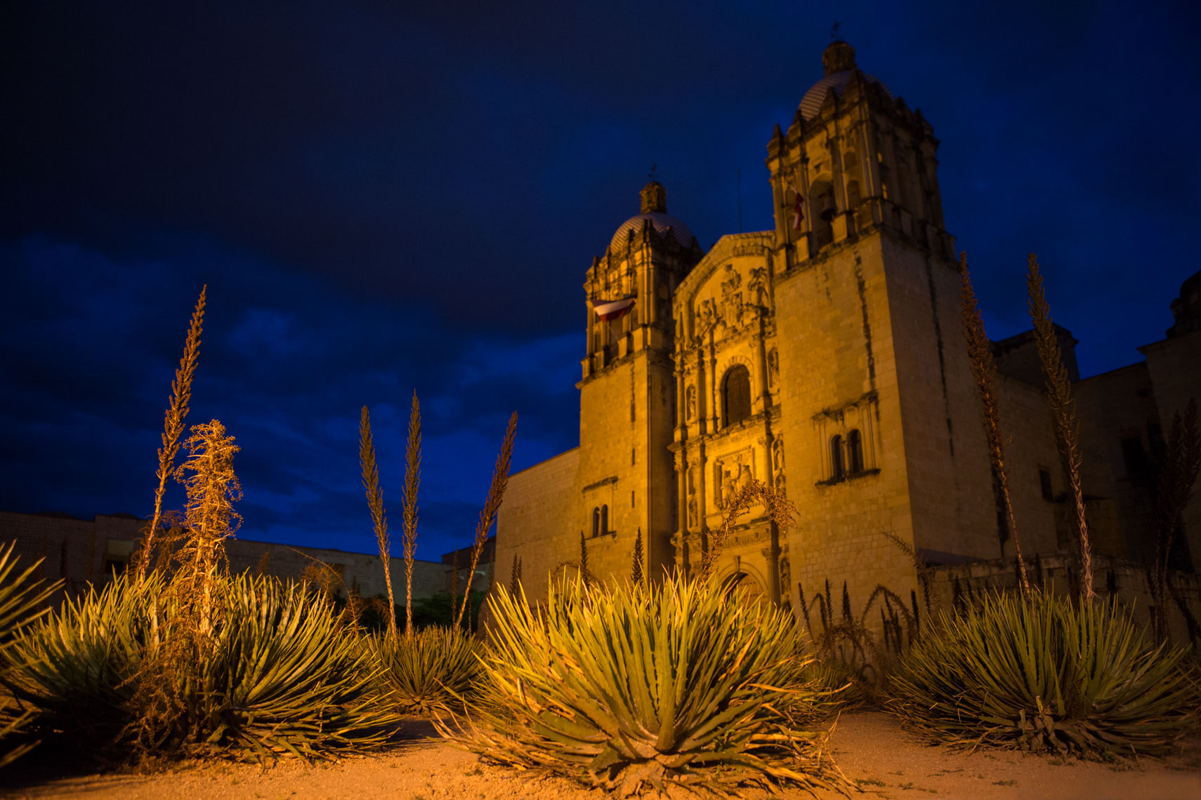 26_Kris_Davidson_National_Geographic_Oaxaca_Mexico_Church