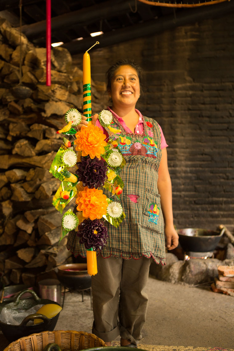 28_Kris_Davidson_National_Geographic_Oaxaca_Mexico_Candle_Makero